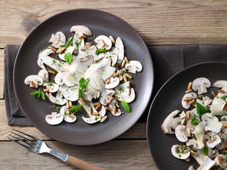 Mushroom Carpaccio - Mushroom Carpaccio - Ideal as a light dinner or sophisticated appetizer for special occasions