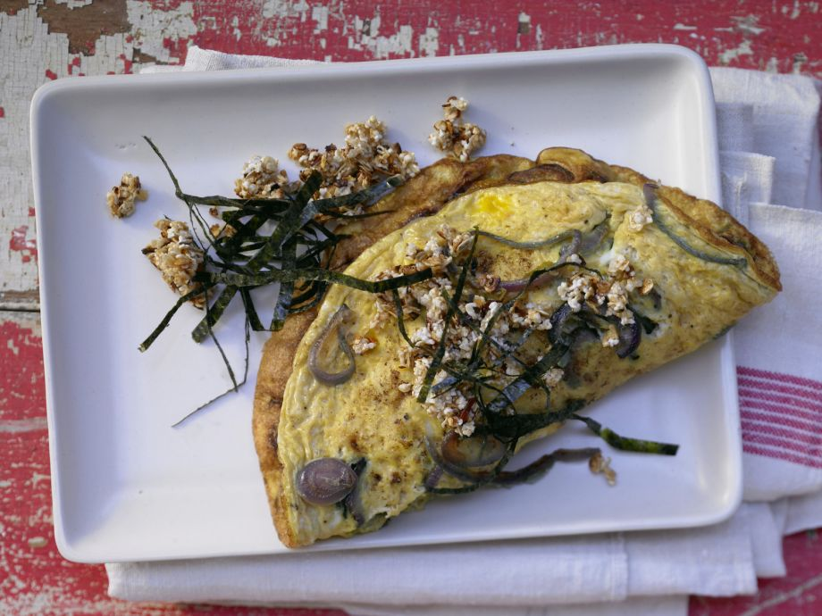 Onion Omelet - Onion Omelet - Light dining with a touch of heat from red pepper flakes
