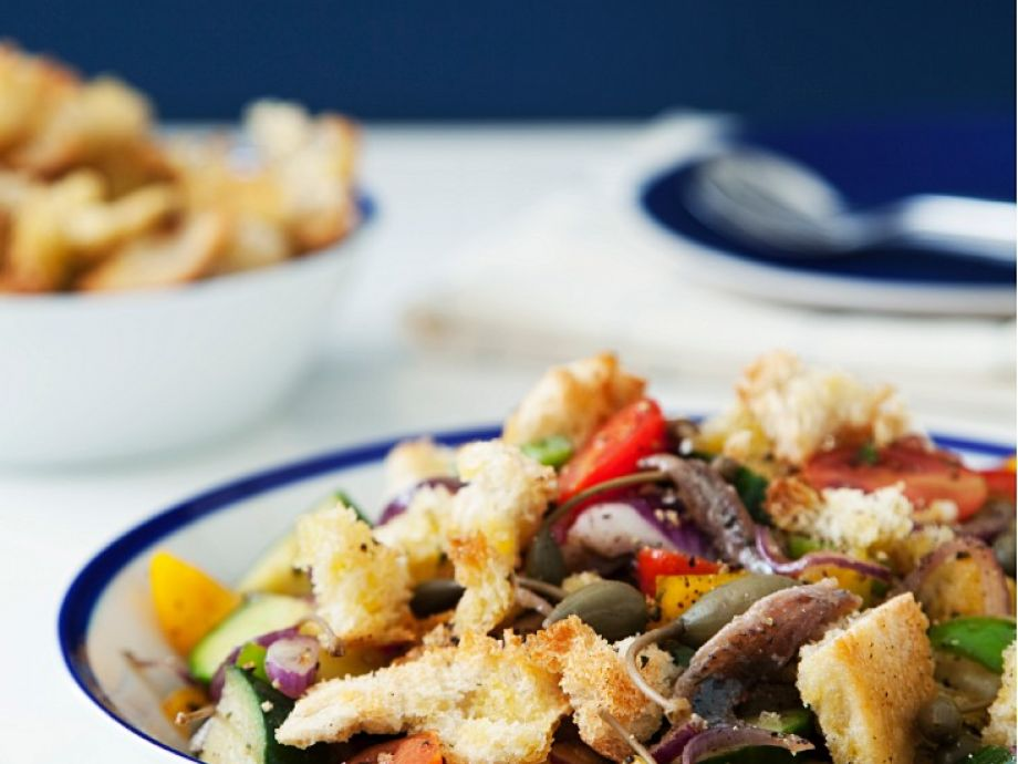 Panzanella with anchovies