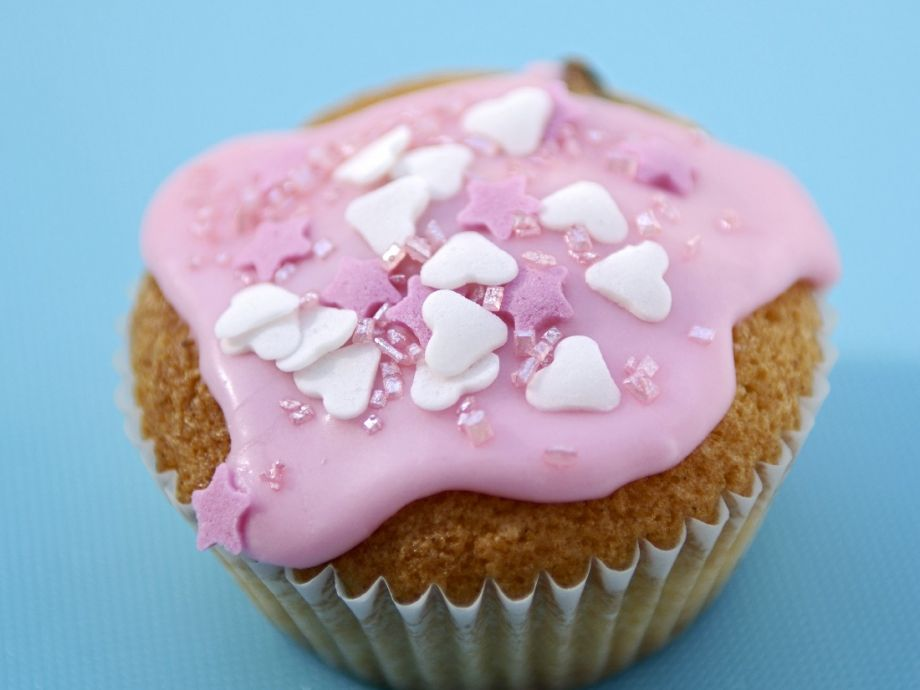 Pink frosted cupcakes