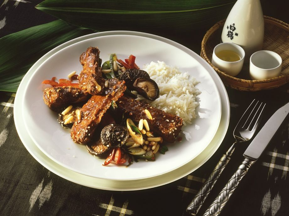 Pork ribs, vegetables and rice