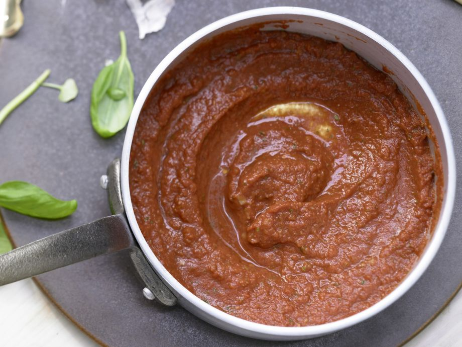 Quick Tomato Sauce - Quick Tomato Sauce - Sun-dried tomatoes add intense flavor to this sauce