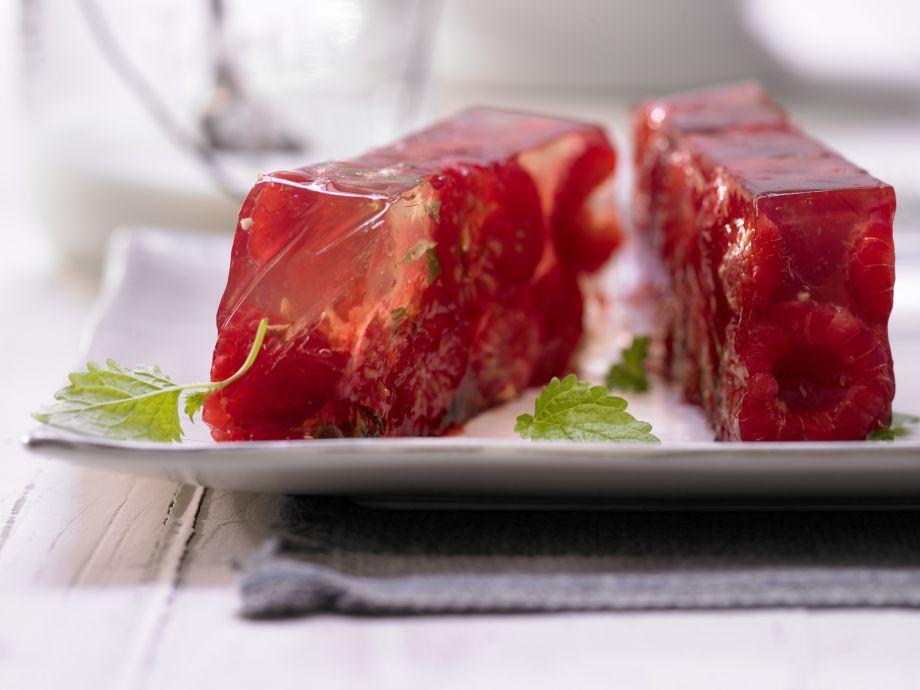 Raspberry Aspic - Raspberry Aspic - A sparkling fruity dessert - simple, but impressive