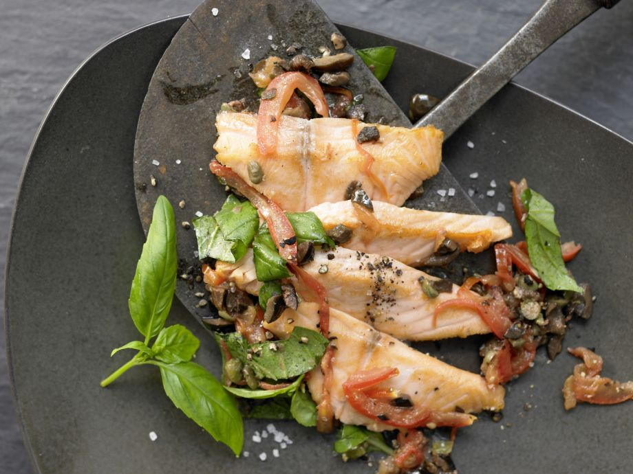 Salmon and Cherry Tomatoes - Salmon and Cherry Tomatoes - An aromatic, Mediterranean-style salmon dish