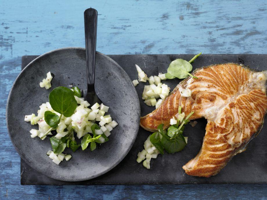 Salmon Steak on Kohlrabi Salad - Salmon Steak on Kohlrabi Salad - A fine, small indulgence  - ready in no time