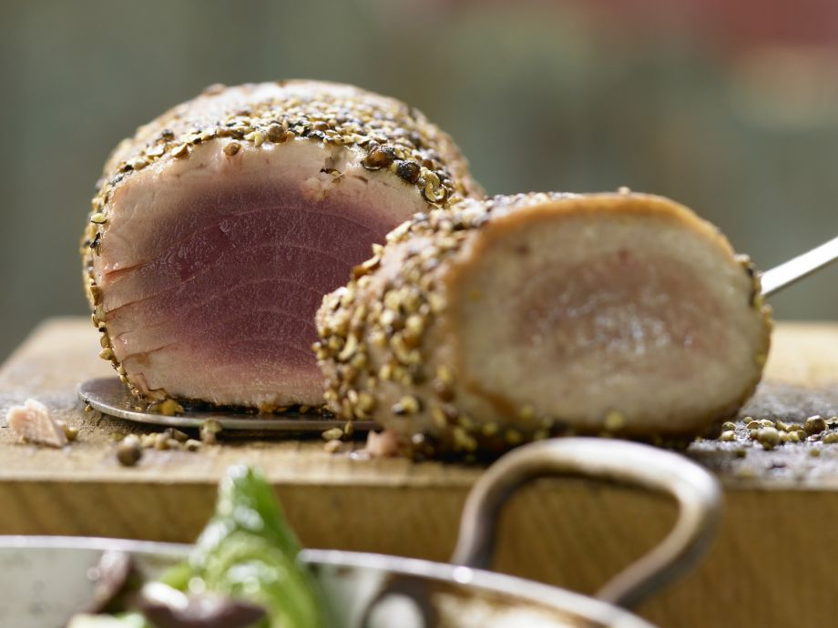 Seared Tuna - Seared Tuna - Buttery-soft and spicy tuna with Mediterranean vegetables