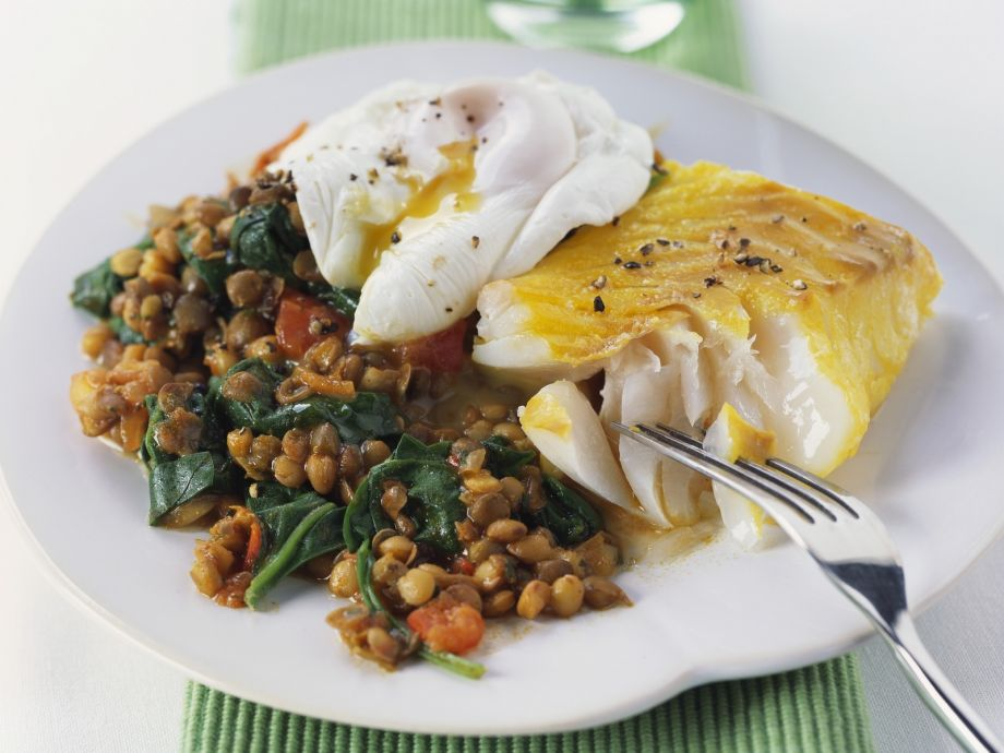 Smoked haddock with curried lentils