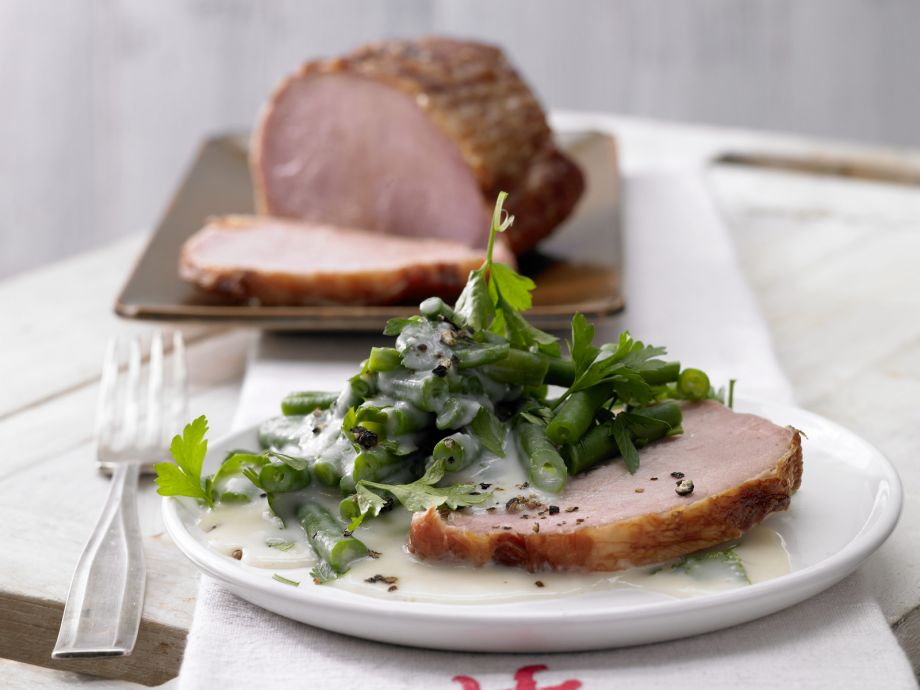 Smoked Ham with Green Beans - Smoked Ham with Green Beans - A highlight of the season: Ham and beans a la Northern Germany