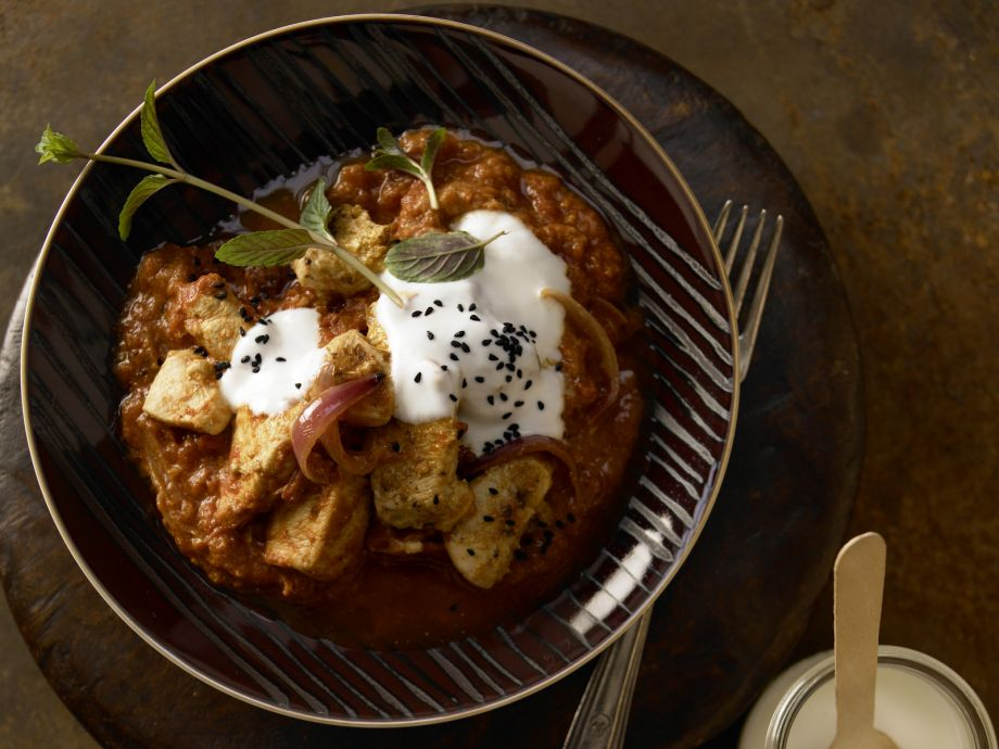 Spicy Chicken Curry - Spicy Chicken Curry - This Indian-style dish boasts an irresistible aroma