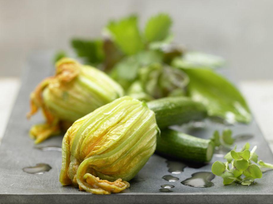 Steamed Zucchini Blossoms - Steamed Zucchini Blossoms - Looks and tastes amazing: steamed zucchini flowers on herb salad