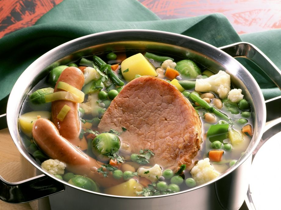Stew with vegetables, sausages and smoked pork