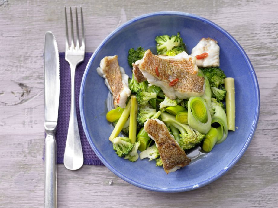 Stir-Fried Redfish and Chile Peppers - Stir-Fried Redfish and Chile Peppers - Wonderfully easy: Fresh from the garden and sea with Asian flavors