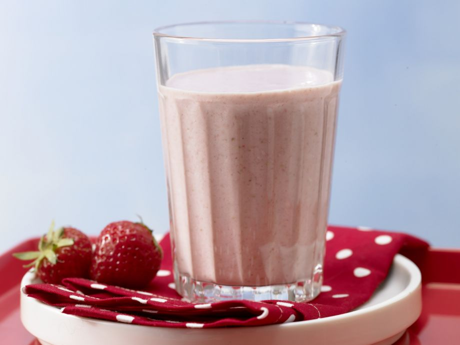 Strawberry-Muesli Drink - Strawberry-Muesli Drink - With a mild mix of ingredients, this breakfast drink can satisfy even finicky appetites