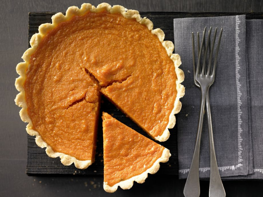 Sweet Potato Pie - Sweet Potato Pie - Classic crumbly pastry from the southern US!