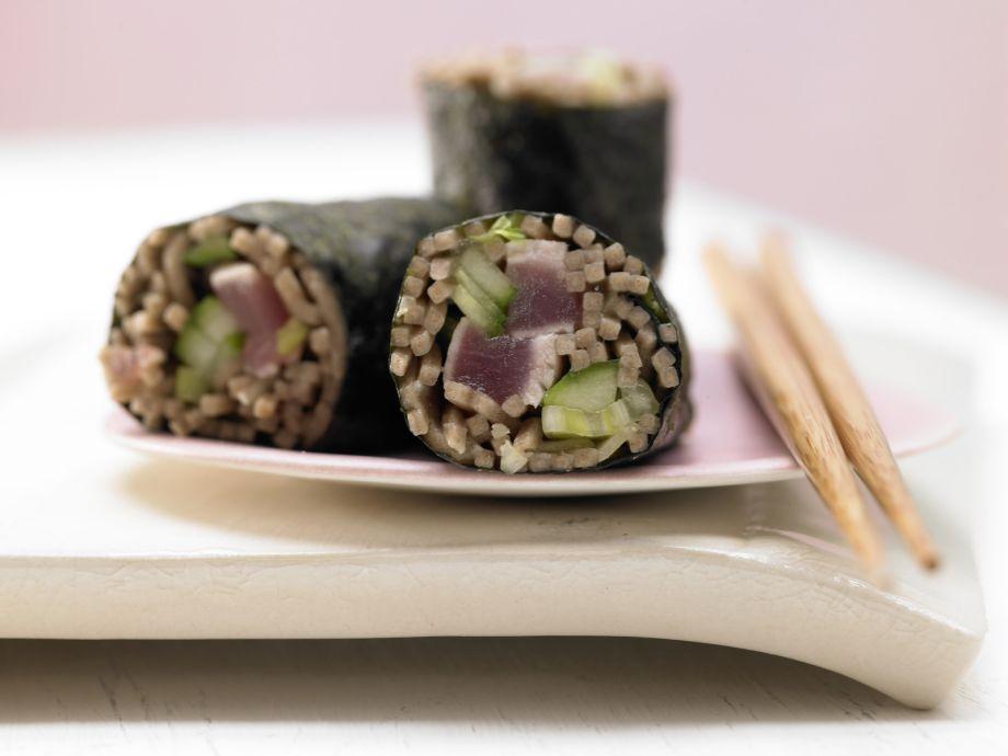 Tuna Maki Rolls - Tuna Maki Rolls - Hearty, spicy sushi for noodle fans