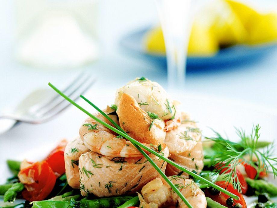 Warm fish and seafood salad