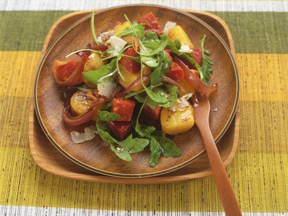 Warm potato and pork plate