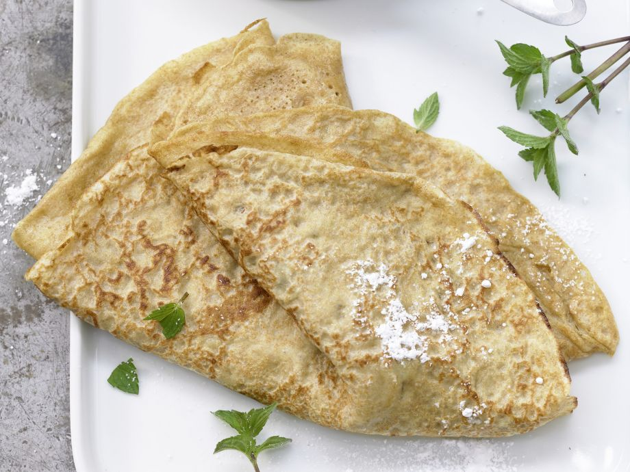 Whole-Wheat Pancakes - Whole-Wheat Pancakes - No matter whether you fill it with a sweet or savory filling, these whole-wheat pancakes are not only delicious, but also healthy and hearty.