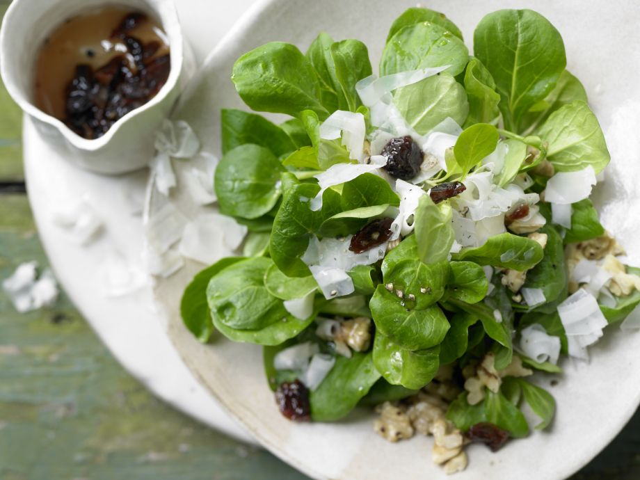 Wintry Green Salad - Wintry Green Salad - An easy transition into winter for salad fans
