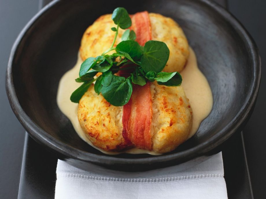 Wrapped fish patties with coconut sauce