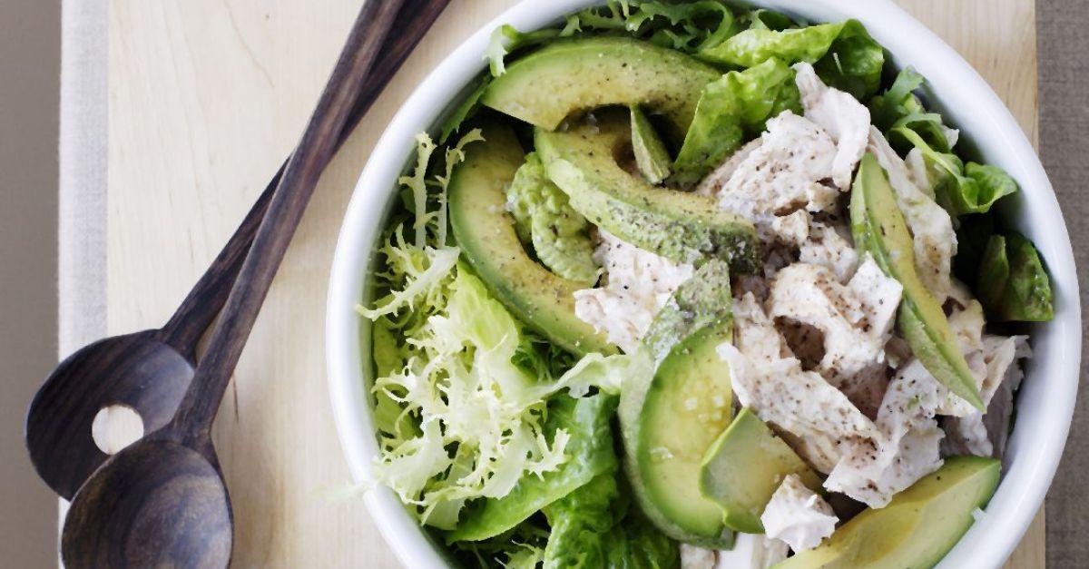 Chicken Salad Bowl with Yogurt Sauce