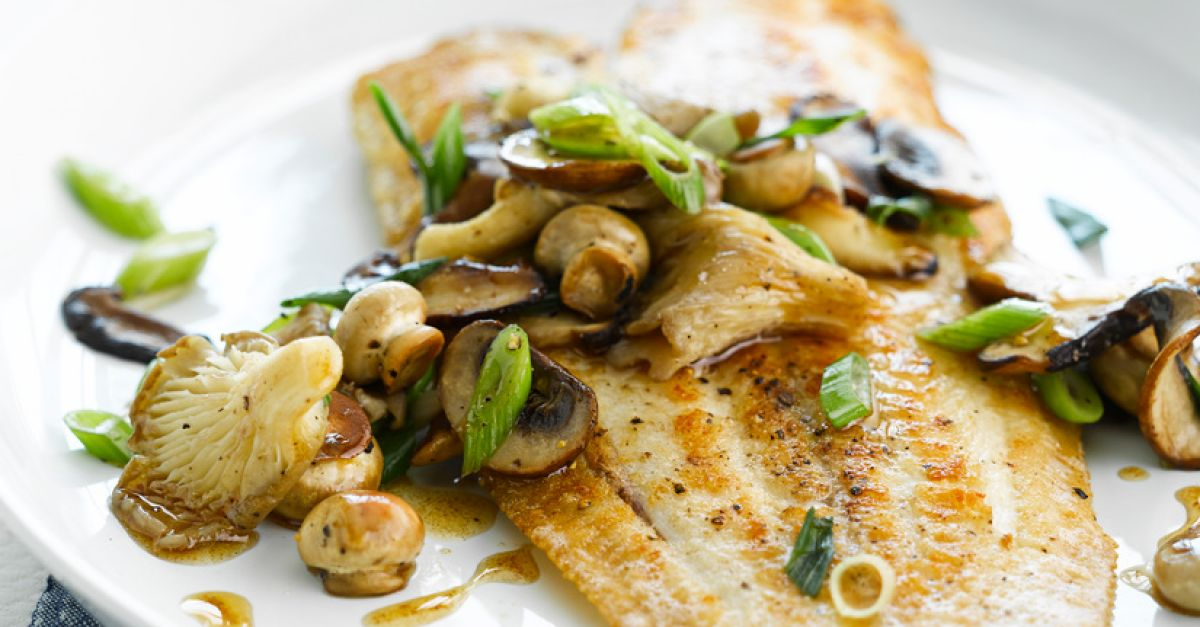 Fillets of sole with mushrooms recipe eat smarter usa for Sole fish nutrition