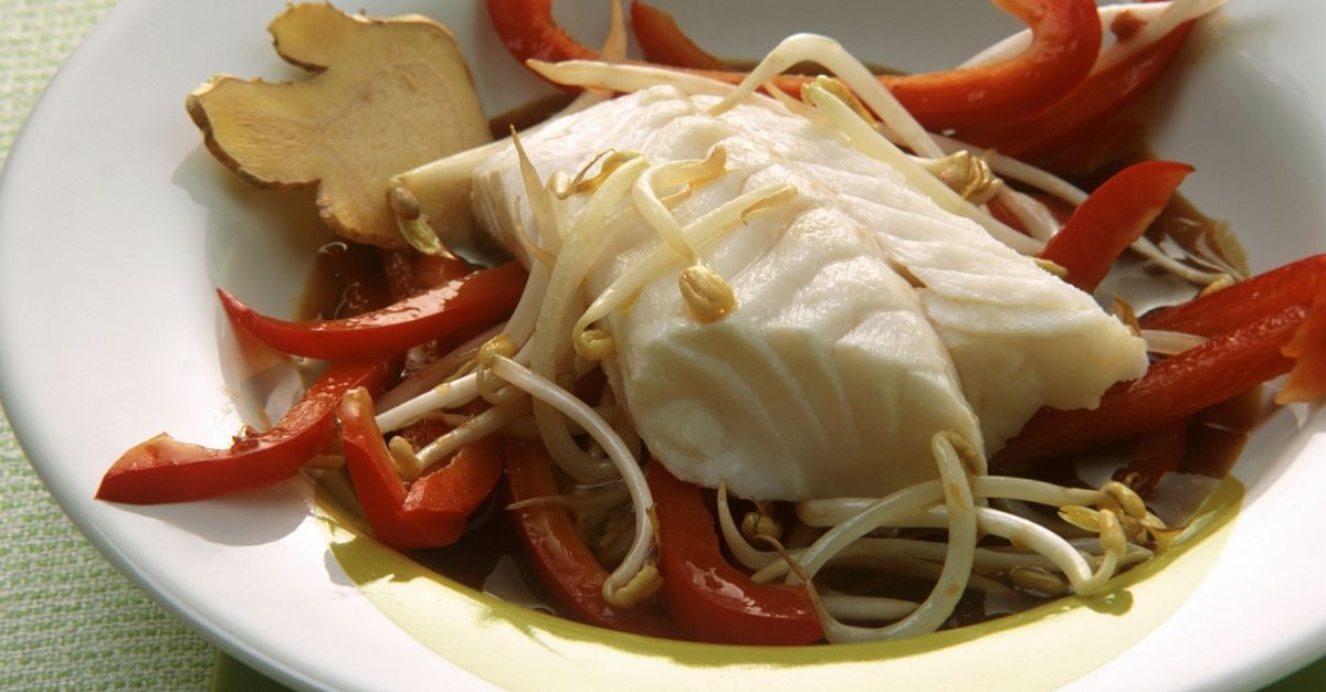 Ginger fish fillet with beansprouts recipe eat smarter usa for Ginger fish recipe