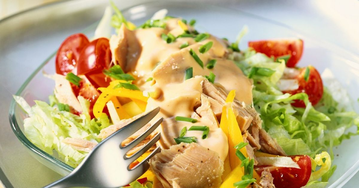 Iceberg Salad With Tuna And Thousand Island Dressing Recipe Eatsmarter