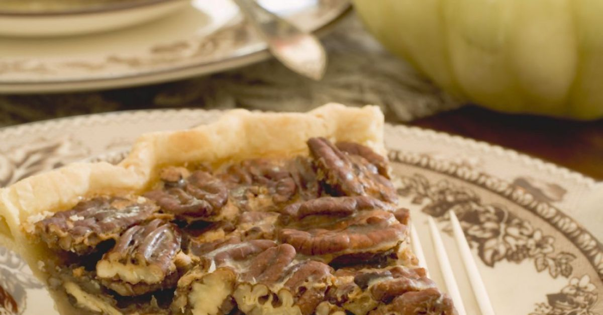 Old-fashioned Pecan Pie recipe | Eat Smarter USA