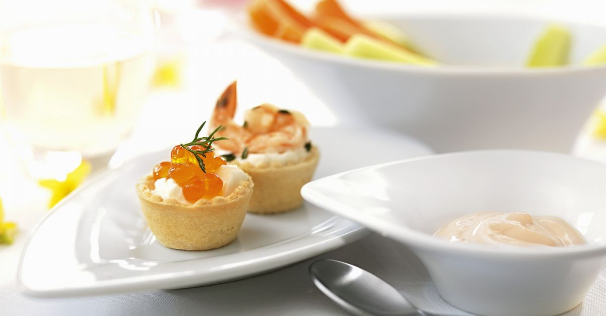Paschal canapes with caviar and shrimp recipe eat for Canape with caviar