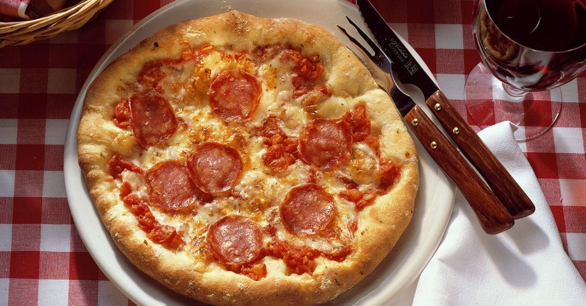 Schwanger Salami Pizza