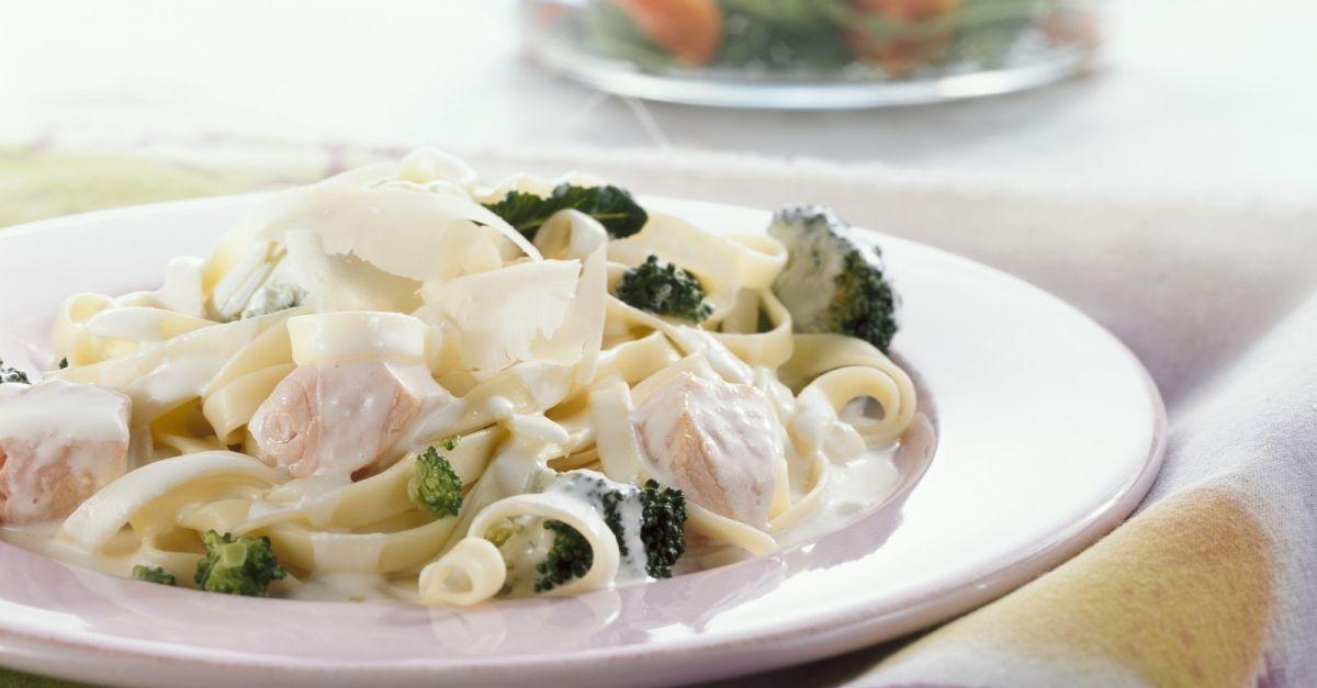 Tagliatelle Pasta With Salmon Cream Sauce And Broccoli Recipe Eat Smarter Usa