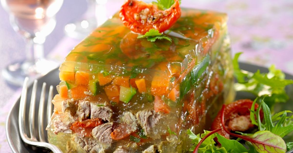 vegetable-beef-aspic-547632.jpg