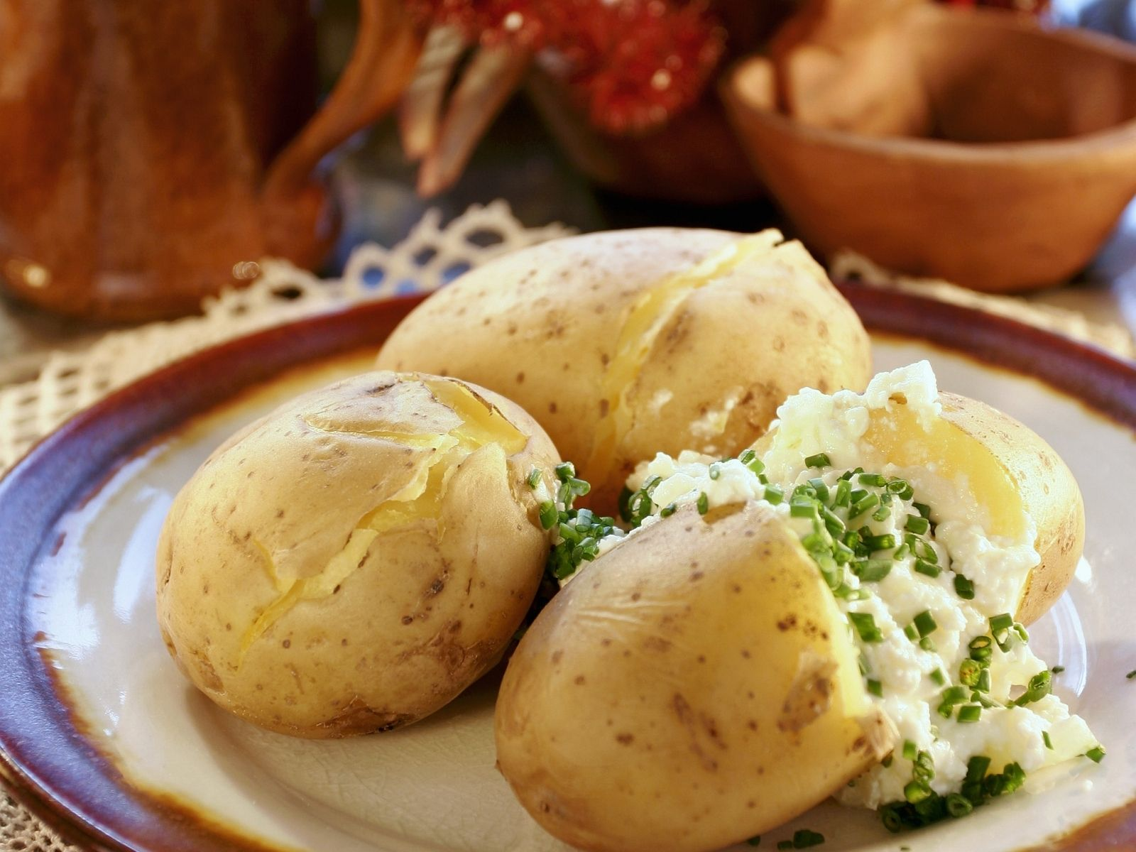 boiled potatoes with cottage cheese recipe eat smarter usa rh eatsmarter com cottage cheese potato salad cottage cheese potato chip dip