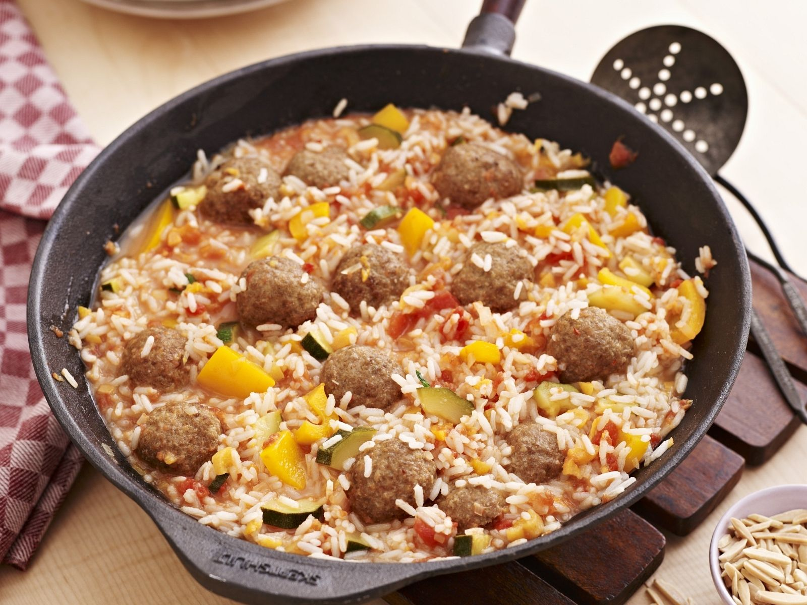 Middle Eastern Style Rice With Meatballs Recipe Eatsmarter