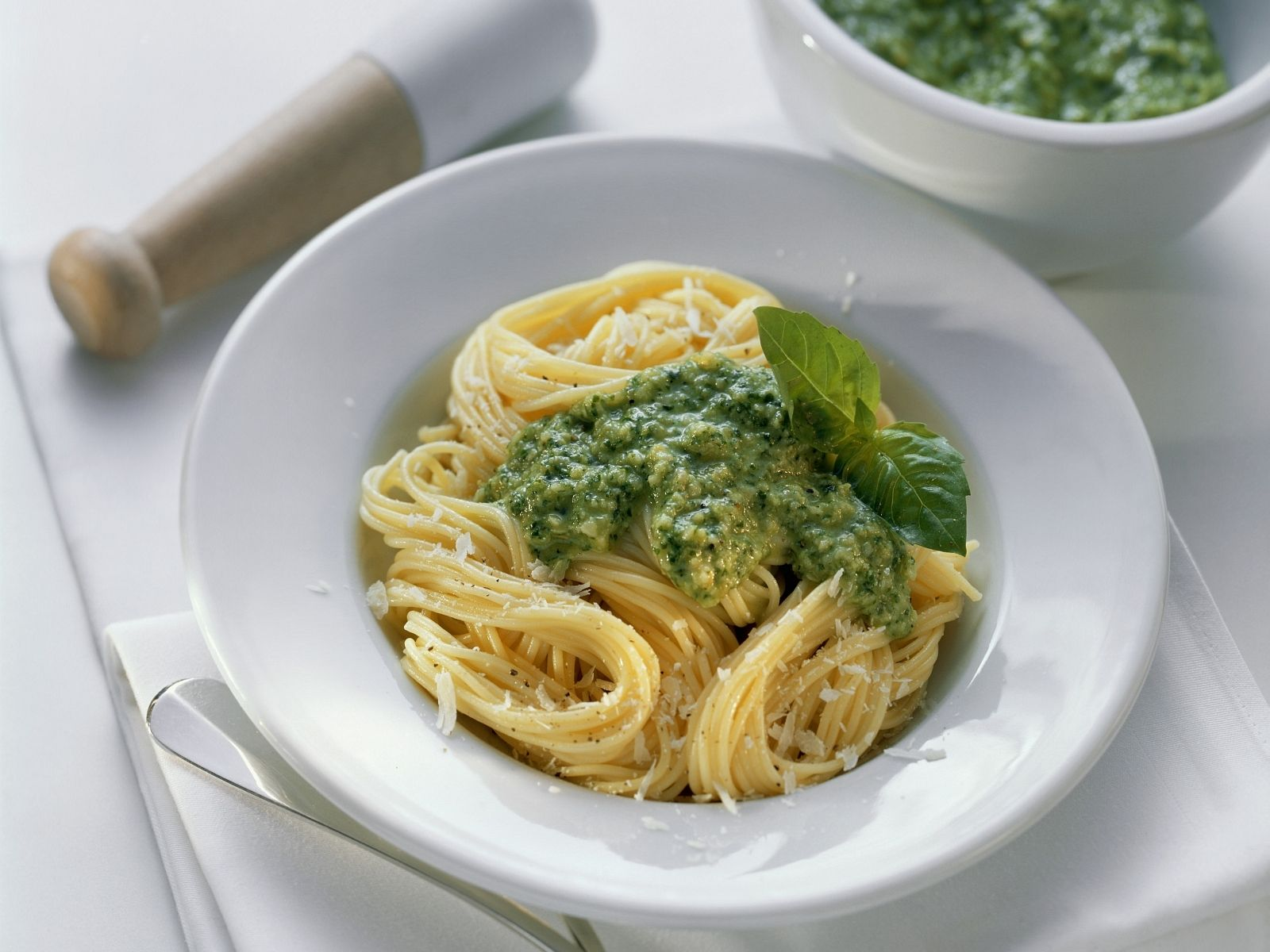 Spaghetti with Pesto Verde