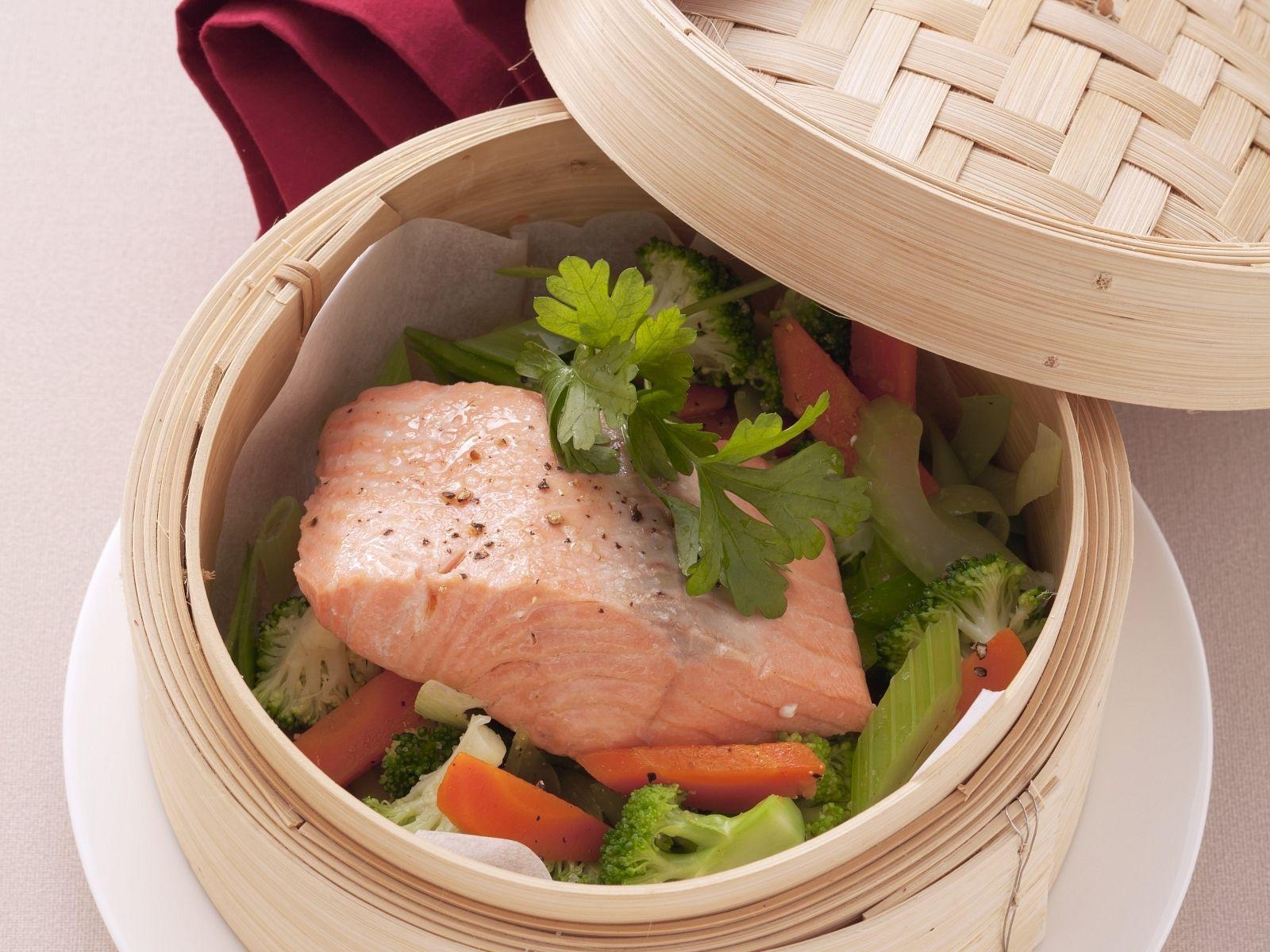 Steamed Trout With Vegetables Recipe Eatsmarter