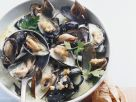 Mussels with White Wine and Parsley recipe