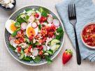 Salad with Shrimp, Egg and Strawberry Dressing recipe