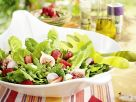 Salad with Strawberries, Figs and Radishes recipe