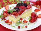 Sponge Cake with Cream Cheese and Berries recipe