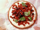Vanilla Cream Cake with Red Currants recipe